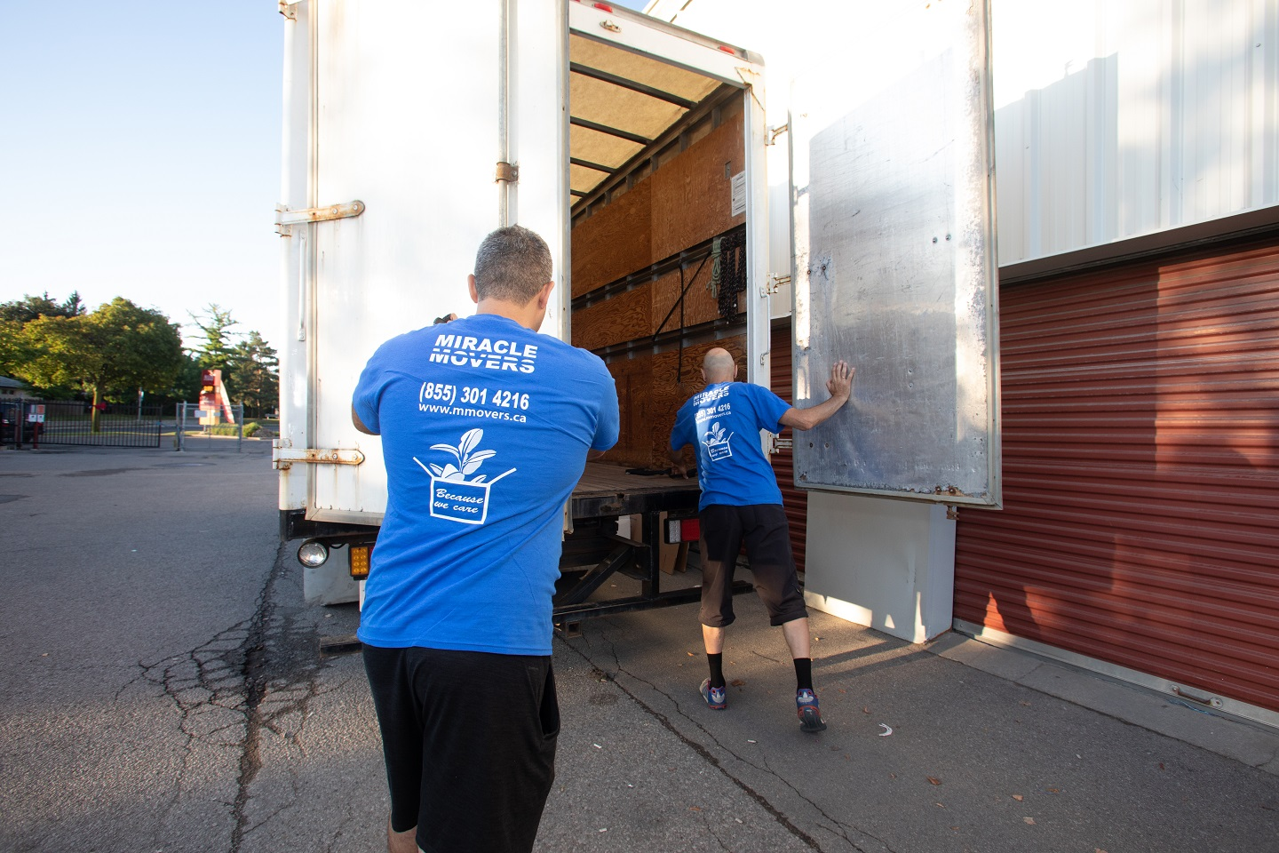Early morning Professional moving team Toronto GTA